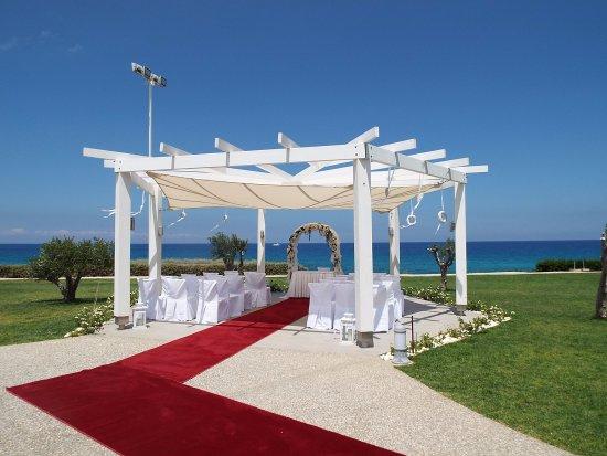 Pernera Beach Hotel: ceremony venue
