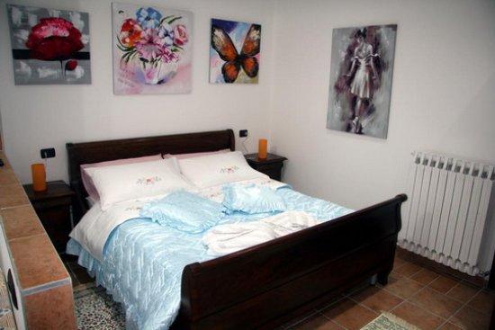 Cunardo, Italie : Camera matrimoniale
