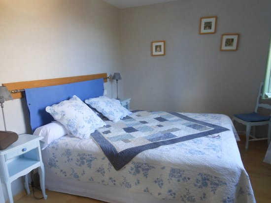chambre décorée joliment - Photo de Auberge du Fel, Le Fel - TripAdvisor