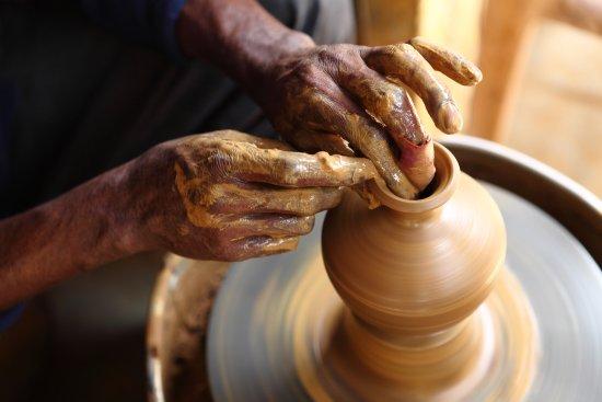 Limpertas Manolis Pottery