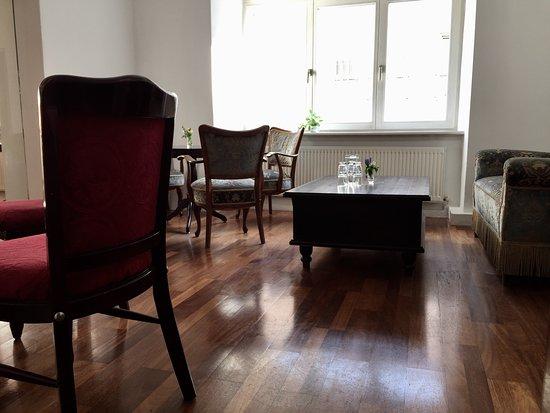 Q Cafe Club Kultur: Super Gemütliches Wohnzimmer