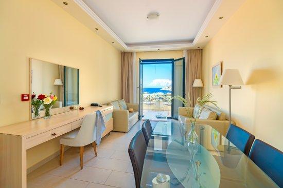 Ai Yannis Suites and Apartments Hotel: Junior Suite