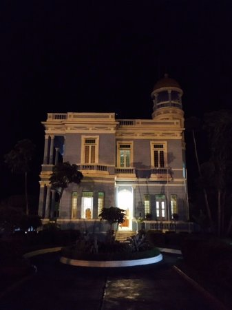 Hostal Palacio Azul: By night