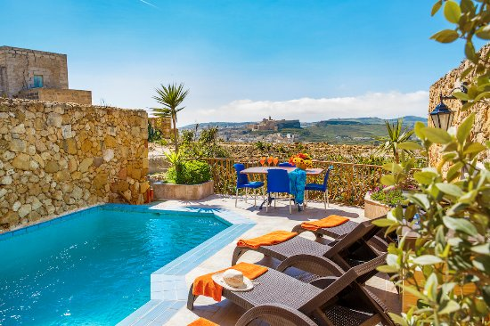 Bellavista Farmhouses Gozo: Private pool facing countryside views