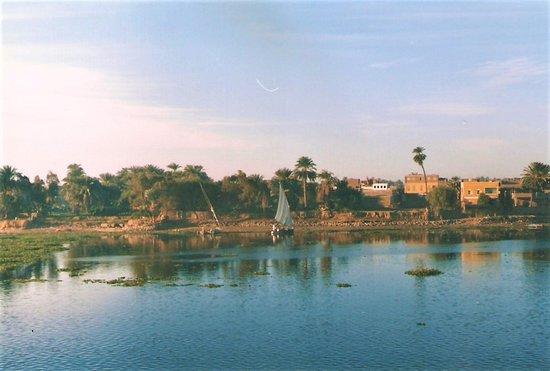 Nile River Criuse Luxor Aswan Egypt Picture Of Nile