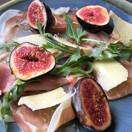 Chipperfield, UK: Prosciutto, Parmesan and Figs - a lovely summer starter