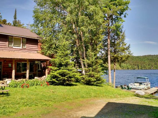 Kiwassa Lake Bed & Breakfast Photo