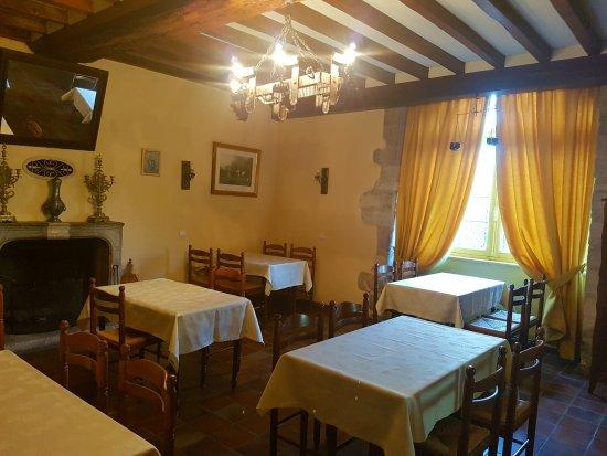 Bricquebec, Francia: salle petit dejeuner