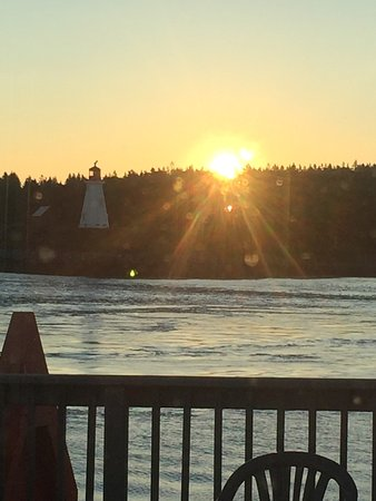 Water Street Tavern & Inn: Sunrise over Campobello Canada