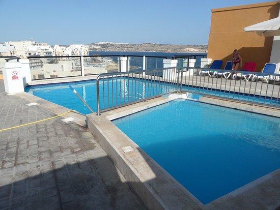 Sunseeker Holiday Complex: Piscine sur le toit avec vue sur mer