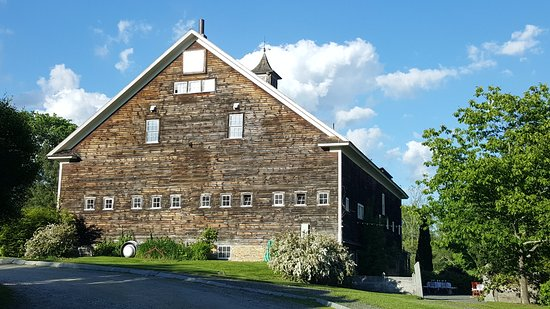 New Marlborough, MA: The main barn is magnificent