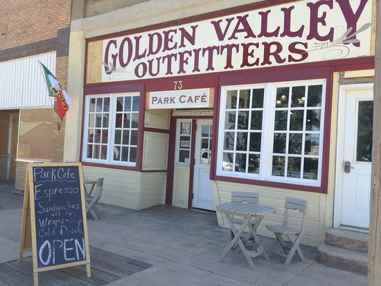 Beach, ND: Indoor and outdoor seating available at Park Cafe inside Golden Valley Outfitters
