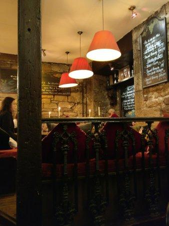 Maxies bistro wine bar edinburgh old town for 18 dean terrace edinburgh