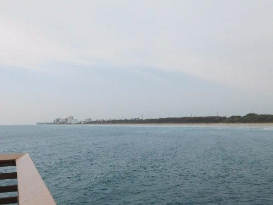Juno Beach, FL: View from pier to shore.