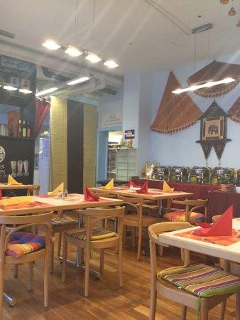 Shanthi: Sri Lanka buffet style