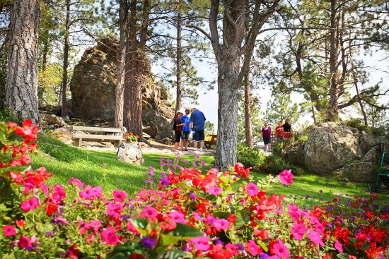 Rushmore Tramway Adventures : Flower Gardens at the Mountain-Top Grille