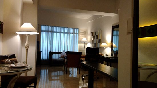 Vivere Hotel: Living Area of Business Suite