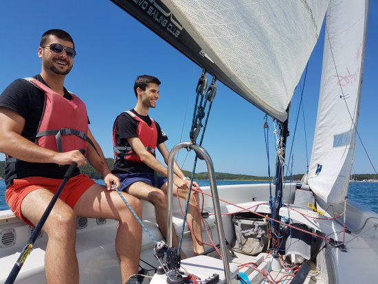 Medulin, Croazia: Basic sailing course in laser stratos could be done in two or three persons