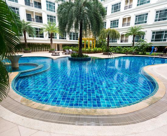 Close To Bts Review Of Hope Land Executive Residence Bangkok