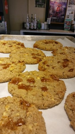 Oxford, OH: Caramel Apple Oatmeal Cookies