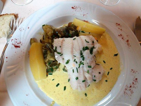 La Coupole: filet de lingre, sauce curry