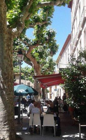 Prades, France: nous sommes au repas de midi