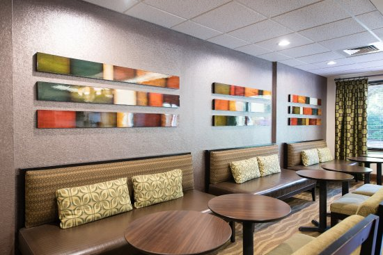 Lexington, SC: Lobby & Dining Seating