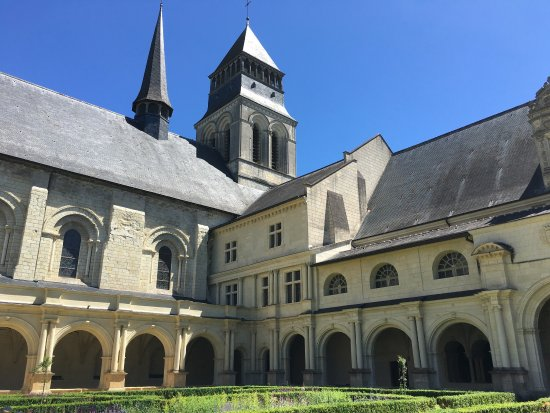 Fontevraud-l'Abbaye, France: photo3.jpg