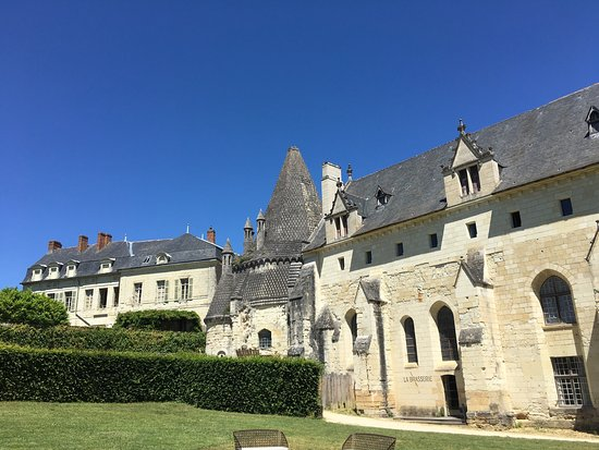 Fontevraud-l'Abbaye, France: photo4.jpg