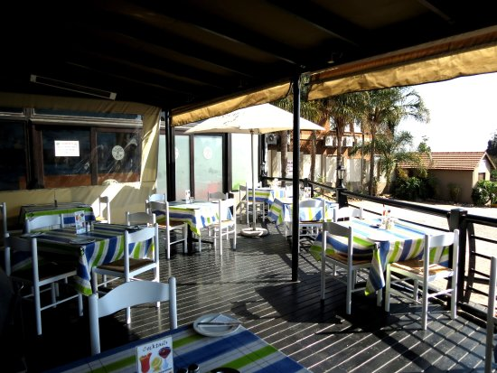 Kempton Park, جنوب أفريقيا: Outside Deck area with the some fresh air and sunshine 