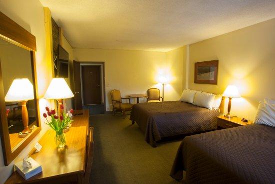 Cadillac, MI: Rooms are spacious