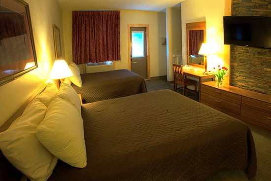 Cadillac, MI: Rooms are all very neat and clean.