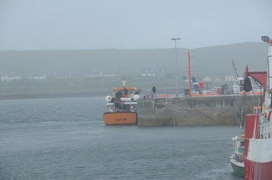 O'Brien Line Ferries : At pier Ennis Mor
