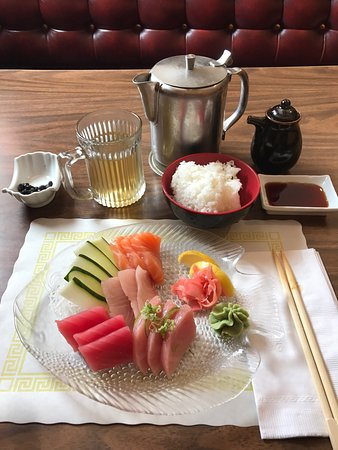 Cranston, RI: Sashimi lunch!!!