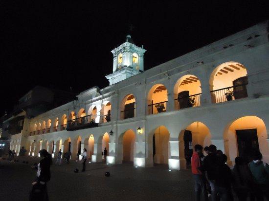 Salta Cabildo: majestuoso
