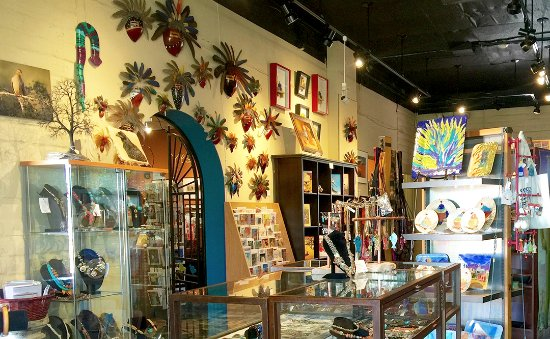 Tubac, อาริโซน่า: Gift shop with art, books, cards, jewelry and more.
