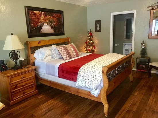 Wrightwood, Californien: Room 2, One queen bed