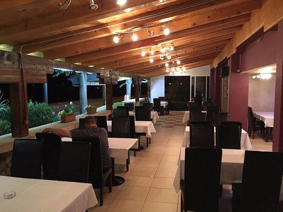 Duran, Croacia: Restorant interior