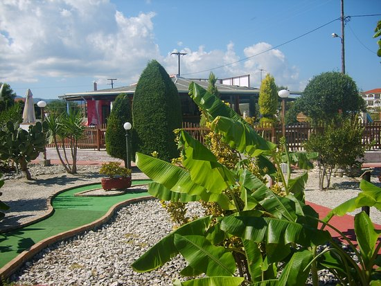 Kalamaki Crazy Golf& Restaurant