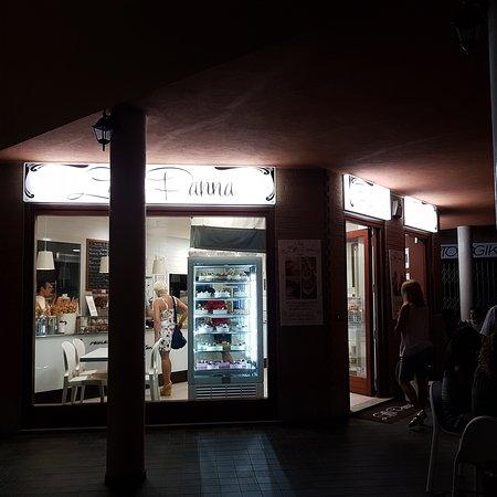 Sangano, Italia: TA_IMG_20170613_221353_large.jpg