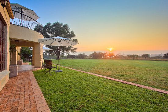Centurion, South Africa: Patio with golf course view at sunrise