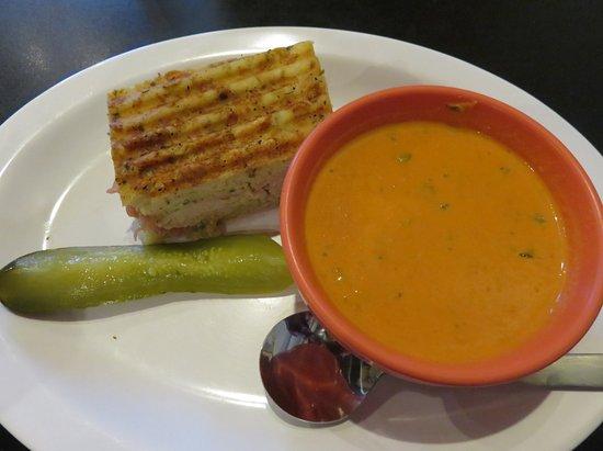 Thomasville, GA: Half sandwich and tomato soup