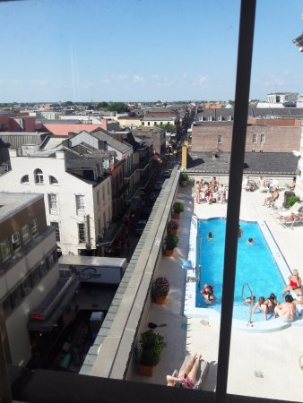 The rooftop pool from 535.