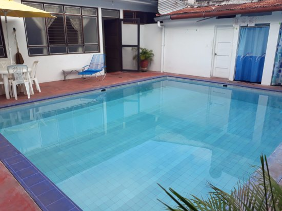 Hospedaje Golondrinas: Pool in the Hostel