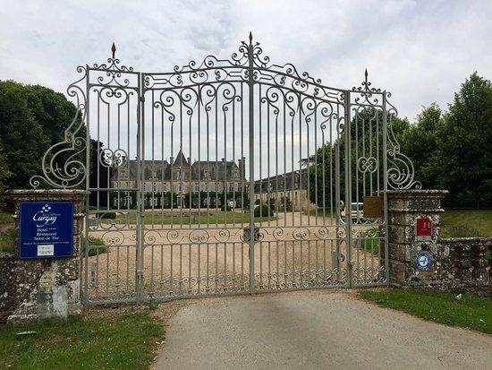 Curzay-sur-Vonne, Francia: Magnifique bâtiment