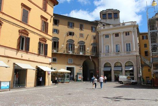 Marche, Italië: Voetgangersgebied
