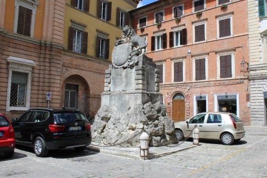 Marche, Italië: Veel beelden