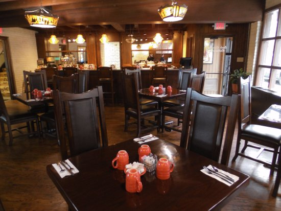 Dude Rancher Lodge: Dining room
