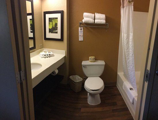 Extended Stay America - San Diego - Mission Valley - Stadium: King room - May 2017 stay