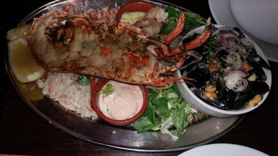 The Sloop Inn: Seafood platter